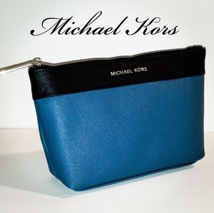 🦋Michael Kors Cosmetic Bag